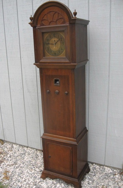 Majestic 15 Grandfather Clock (1932)
