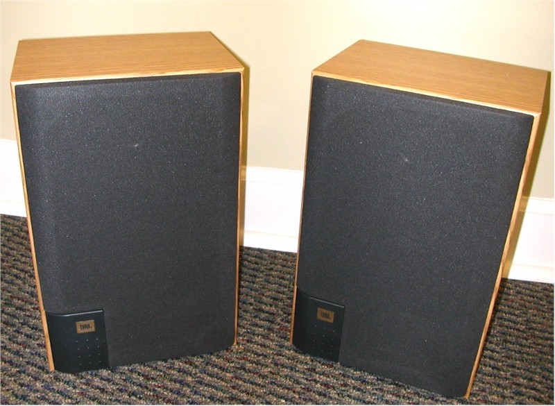 JBL J2050 Bookshelf Speakers