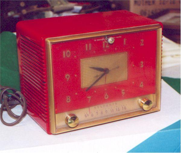 Sylvania 543RE Clock Radio