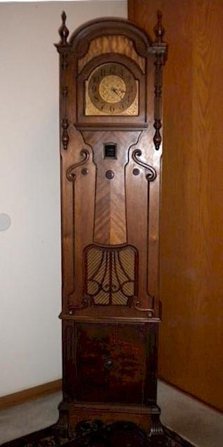 Majestic 20 Grandfather Clock Radio