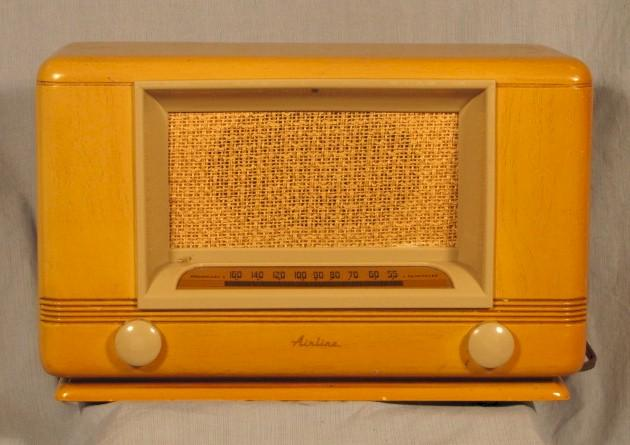 Airline Wood Table Radio (late 1940s)