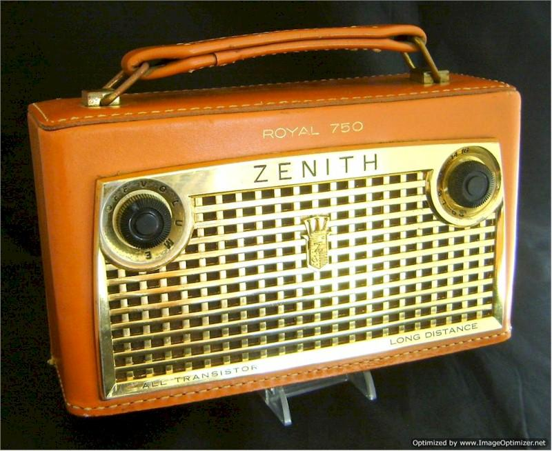 Zenith Royal 750 Leather Portable (1957)