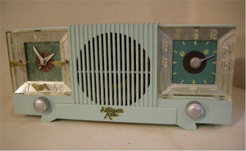 Automatic CL-100 Clock Radio