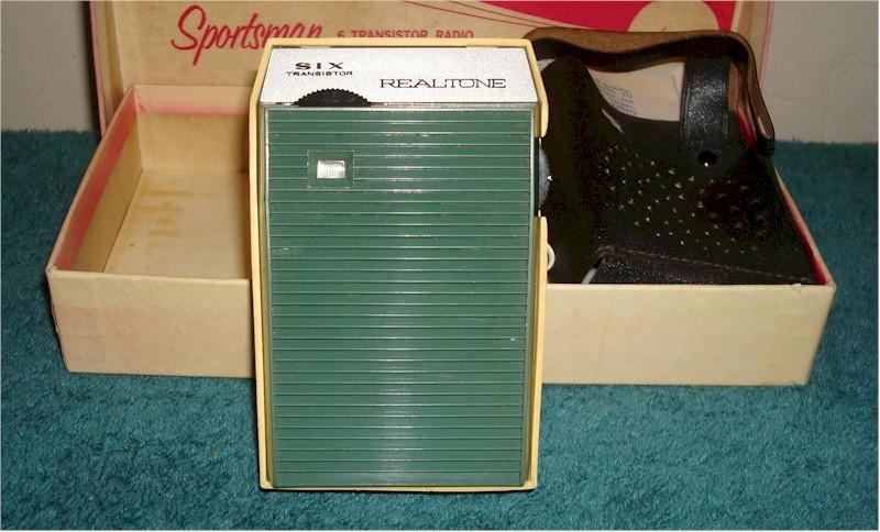 Realtone TR1645 with Box and Accessories (1963)