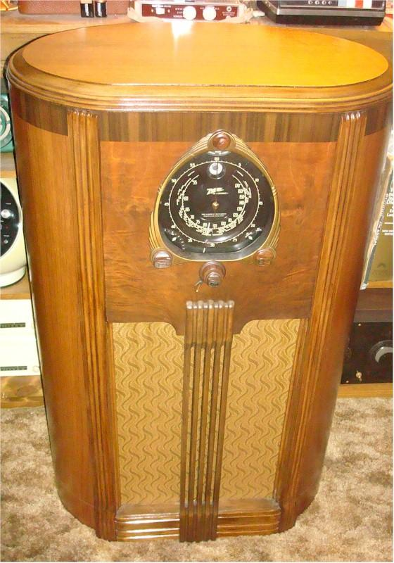 Zenith 9-S-263 Oval Console (1938)