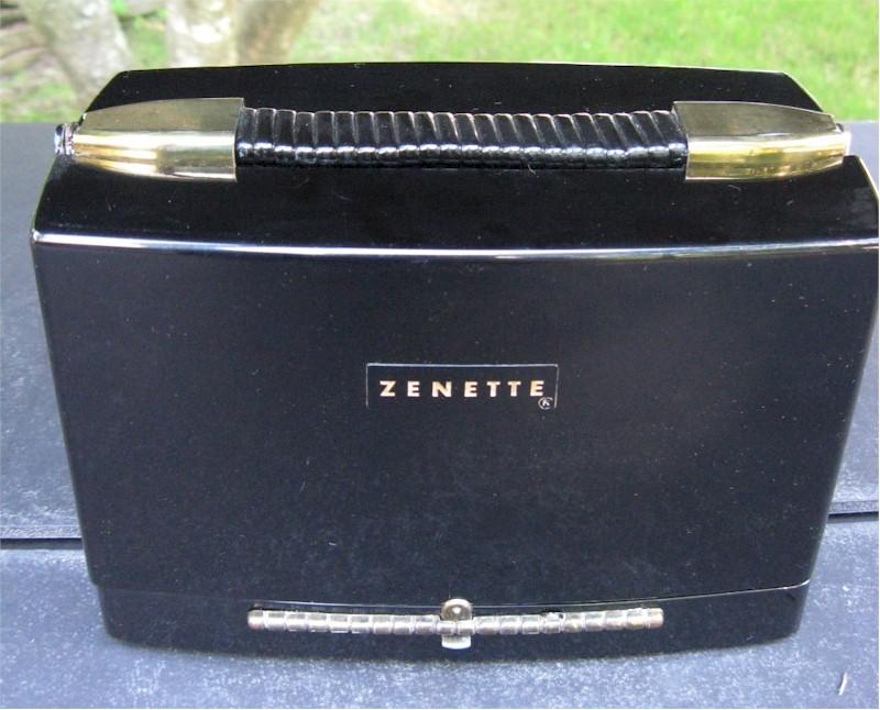 "Zenith 4G800ZY ""Zenette"" with Carrying Case (1948)"