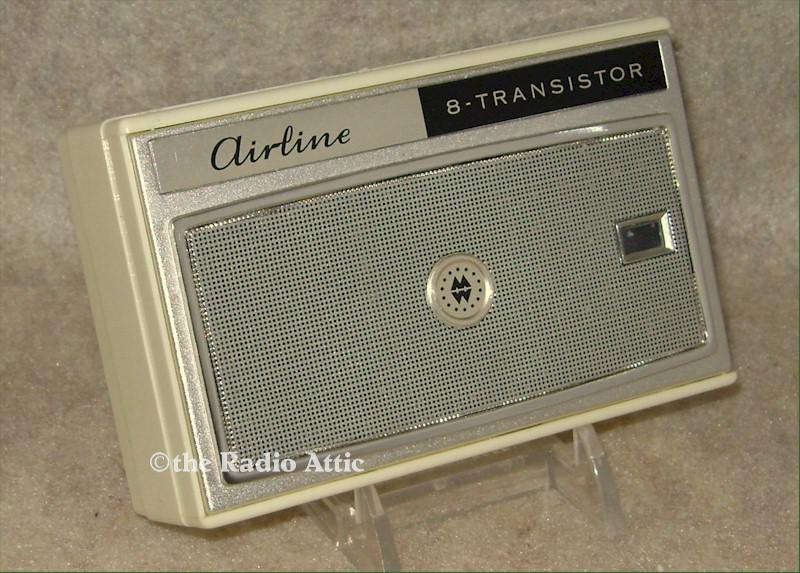 Airline GEN1176B Eight-Transistor Radio