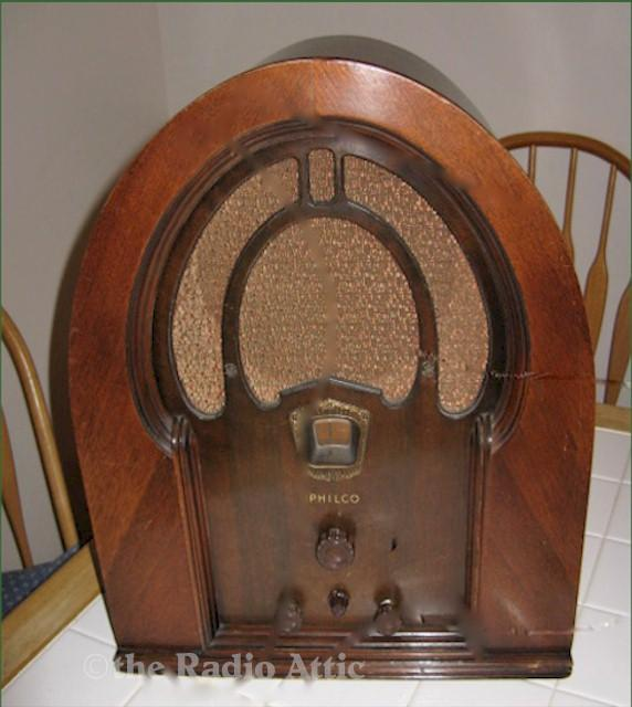 Philco 71 Code 121 Cathedral