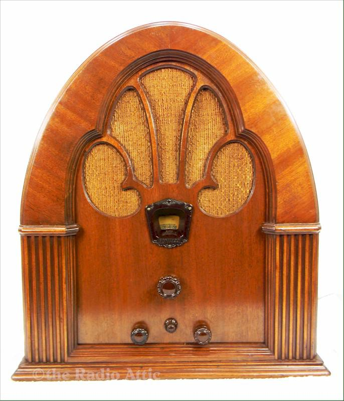 Philco 70 Cathedral (1933)