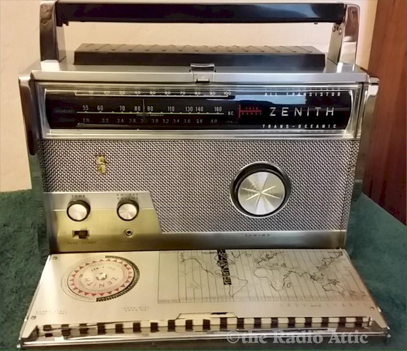 Zenith Royal 1000-1 Trans-Oceanic (1965)