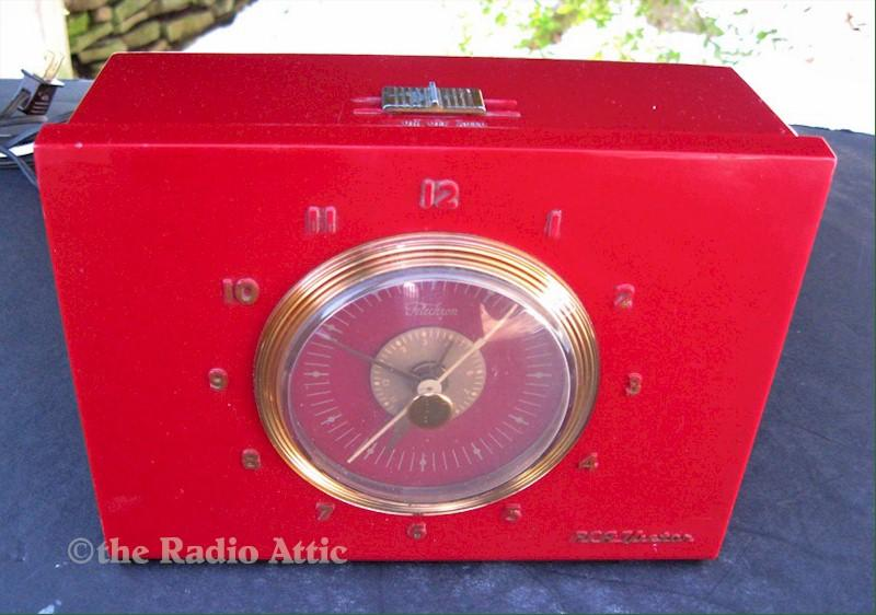 RCA 2-C-513 Portable Clock Radio (1952)