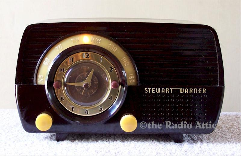 Stewart-Warner 9164 Clock Radio (1952)
